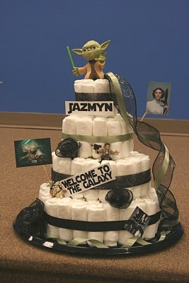 Star Wars Diaper Cake. I need someone to do this, I think Connor would pee himself from excitement.