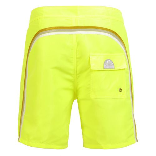 FLUO YELLOW NYLON TAFFETA LONG SWIM SHORTS WITH RAINBOW BANDS Fluo yellow low rise nylon taffeta boardshorts with the three classic rainbow bands on the back. Fixed waist with adjustable drawstring and Velcro fly. Internal mesh. A Velcro back pocket. Sundek logo on the back. COMPOSITION: 100% NYLON. Our model wears size 32 he is 189 cm tall and weighs 86 Kg.