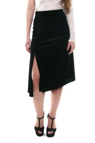 Black velvet tango skirt by conDiva. Available in many colors.   #tangoskirt #argentinetango #milongaskirt #tangoclothes #womens