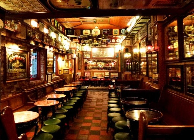 Inside The Duke Of York Pub Belfast Northern Ireland Shall We Take A Trip Across To Looks Cosy