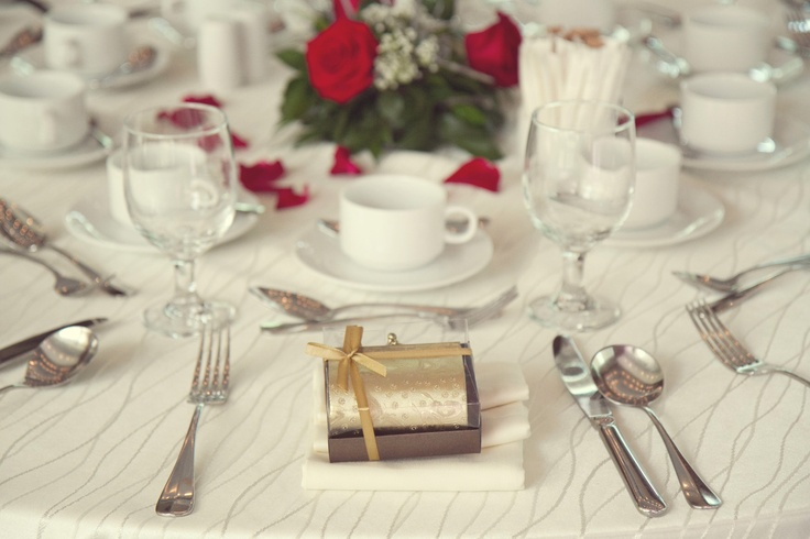table setting is some of the thing that bride and groom normally missed ^^