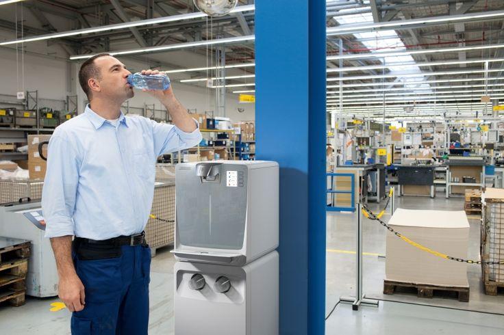 A Kärcher vízadagolókat tanúsított, automata higiéniás rendszer és innovatív szűrőrendszer jellemzi.  https://www.kaercher.com/hu/professional/vizadagolo-berendezes/wpd-100-basic-1024920201.html