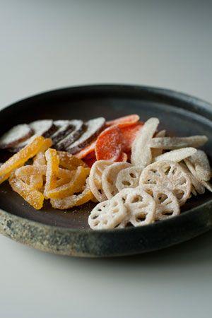 菜々菓「柚子・さつま芋・人参・蓮根・牛蒡」新鮮な野菜五種を風味はそのままに和三盆糖で蜜煮しました。野菜の色冴えが良い見た目も可愛らしいお菓子です。