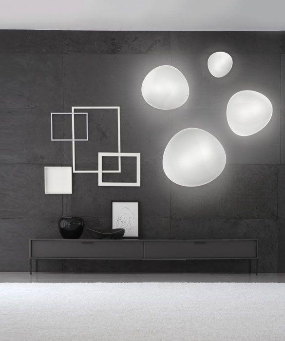 Balance wall light
