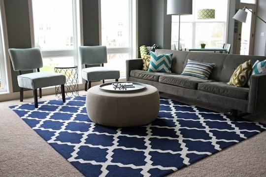 Navy blue rug living room the image kid for Navy blue family room