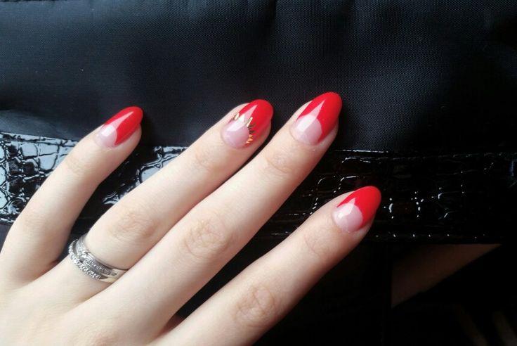 #nail #art #semilac #red #gold #sexy