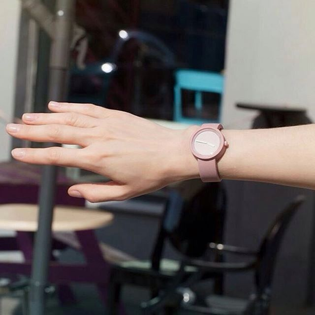 Toz pembe... Fullspot O'clock saatler LUXViTRiN' de https://www.luxvitrin.com/reyon/fullspot-oclock-saat/tumu