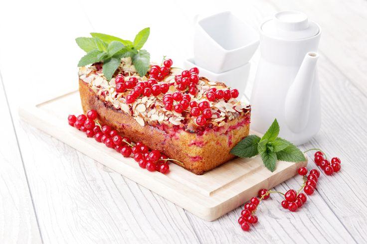 La ricetta del plumcake al ribes rosso e lamponi: un pieno di energia a colazione