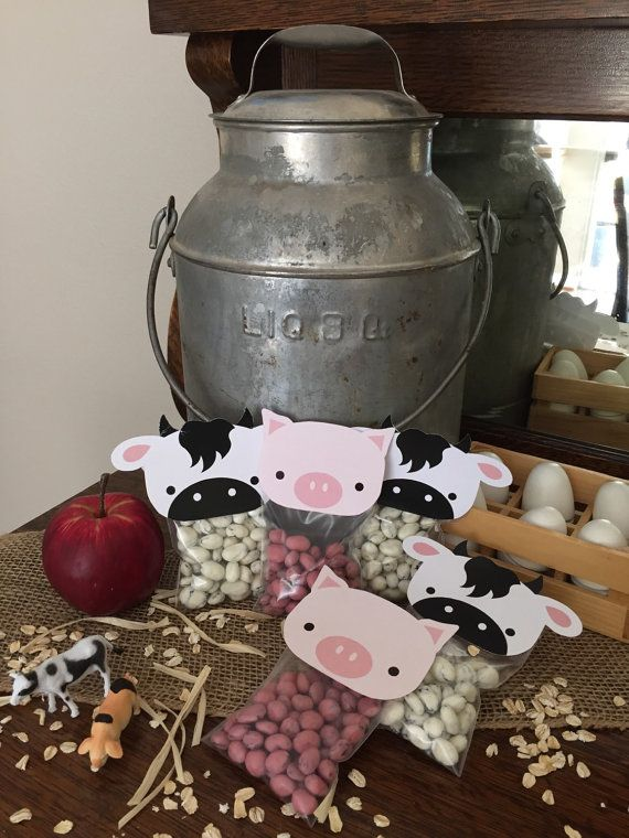 Farm Animal Bag Toppers. Cow Pig Sheep Chick by LilacsAndCharcoal. Perfect Party Favors for Farm Themed Birthday Party or Farm Baby Shower.