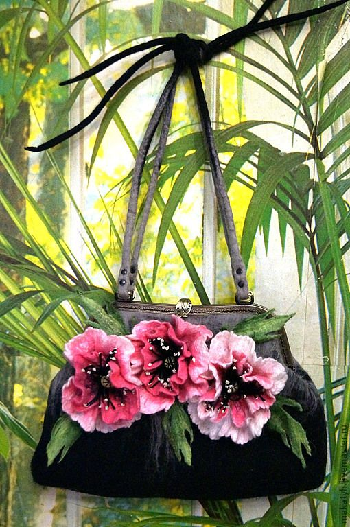 """Купить Сумка """" Розовые Маки"""" войлок - чёрный, цветочный, авторская сумка, шерсть 100%"""