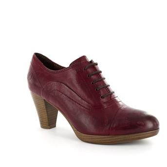 My new red shoes! Love them!     P.I.U.R.E. DAMES | Brantano.be