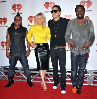 Black Eyed Peas rock out at iHeartRadio Music Fest: Iheartradio Music, Music Fest, Fest Awesome, Awesome Pin, Peas Rocks, Black Eyed Pea, Thanksblack Eye, Black Eye Peas, Art Black