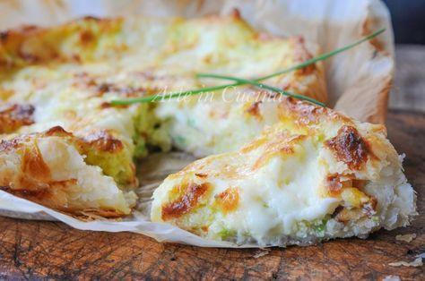 Rustico di sfoglia con zucchine, formaggi, ricotta e provola, ricetta facile, veloce, piatto unico senza carne, idea per cena, piatto da asporto, antipasto, quaresima