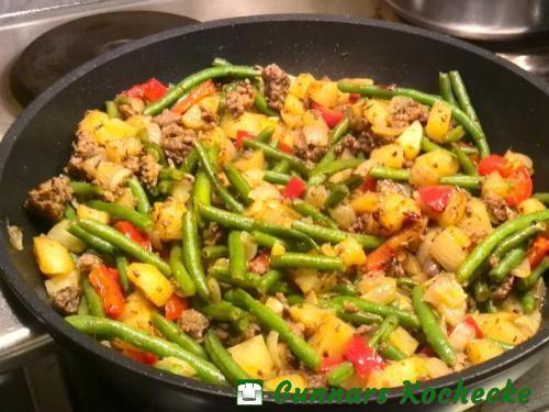 Grüne-Bohnen-Hackfleisch-Pfanne mit Kartoffeln und Paprika