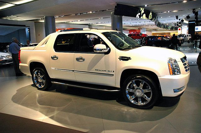 Pictures of the 2007 Cadillac Escalade EXT, Cadillac's luxury sport utility truck.