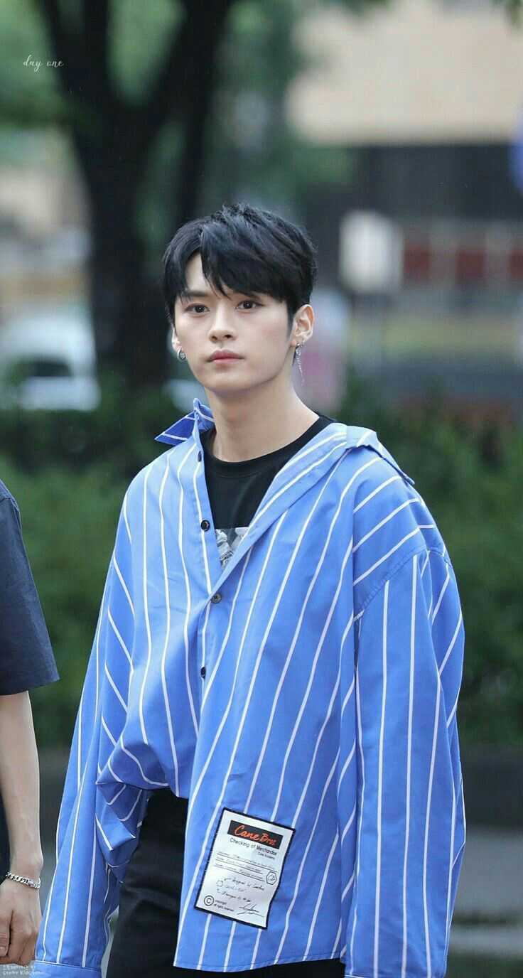 Pin By Dasha On Lee Know Lee Know Lee Know Stray Kids Lee Min