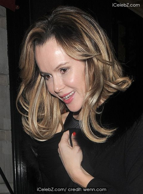 Amanda Holden leaving Balthazar restaurant in Covent Garden http://www.icelebz.com/events/amanda_holden_leaving_balthazar_restaurant_in_covent_garden/photo3.html