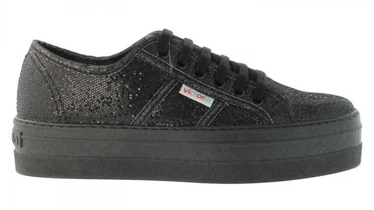 Glitter derby with platform heel, black || Tennis compensées brillantes. Victoria Shoes || Chaussures Victoria.