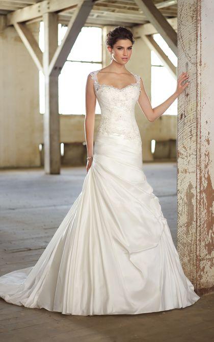 Whimsical wedding dress by Essense of Australia. (Style D1383)