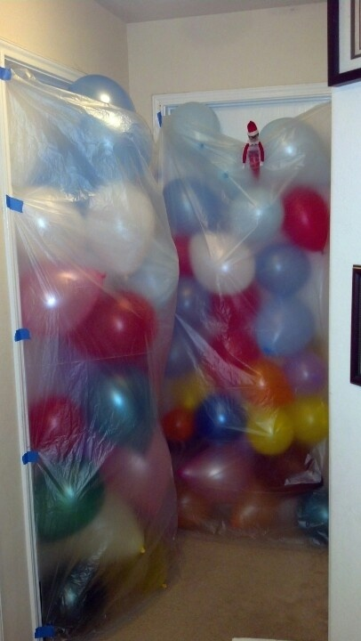 It's an elf on the shelf balloon avalanche