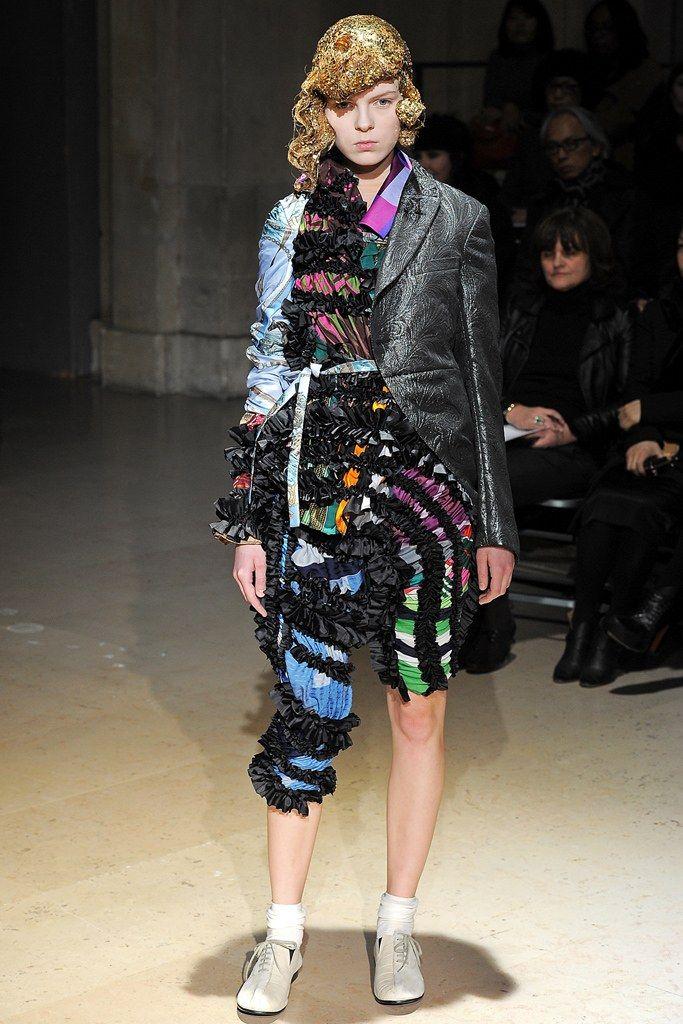 Comme des Garçons Fall 2011 Ready-to-Wear Collection Photos - Vogue