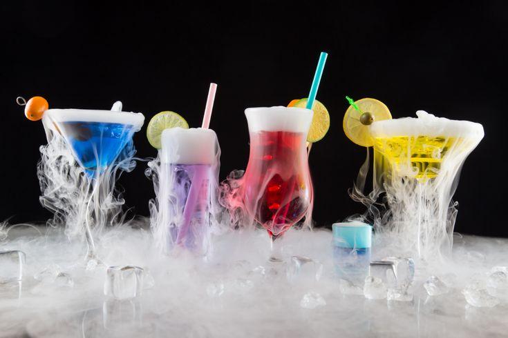 Efektowne drinki z suchym lodem