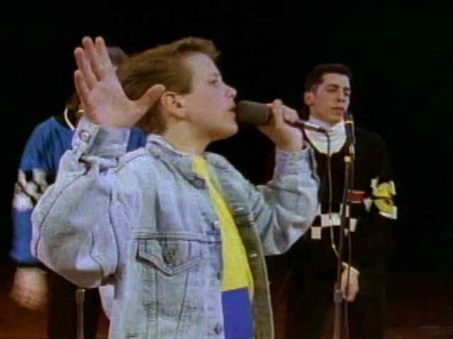 Can you guess which NKOTB song this is? | PlayBuzz