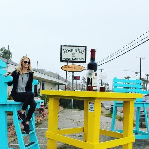 Wine tasting is always in style if your drink responsibly! Cheers! PS...Every bottle sold donates a % to helping clean and maintain our coastline...I love that! #RosenthalWines #VeronicaBeard #HarloweAndGraham #NordstromRack  #NewBalance #NewBalanceWomen #HueOfficial #HueSocks #NoShowSocks #AGJeans #AG #AGDenim #SkinnyJeans #MomStyle #MomJuice #StyleCollectiveFollow #Wine #WineTasting #WineMe #GIveBack #WinesThatGiveBack #RosenthalWines #MalibuWines #CaliforniaWines #WineLife #Luxury…
