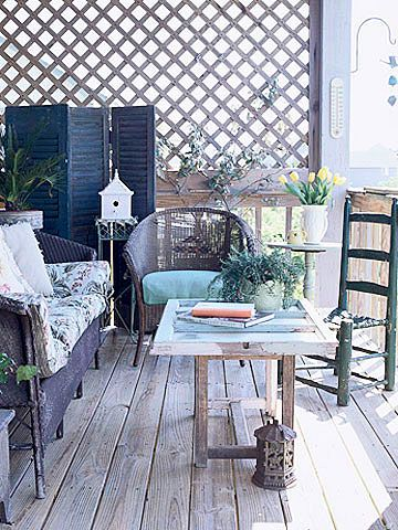 This coffee table is actually a bench topped with an old window! More ways to transform unexpected items: http://www.bhg.com/decorating/decorating-style/flea-market/ideas-for-flea-market-finds/?socsrc=bhgpin042512becreative  I love repurposing