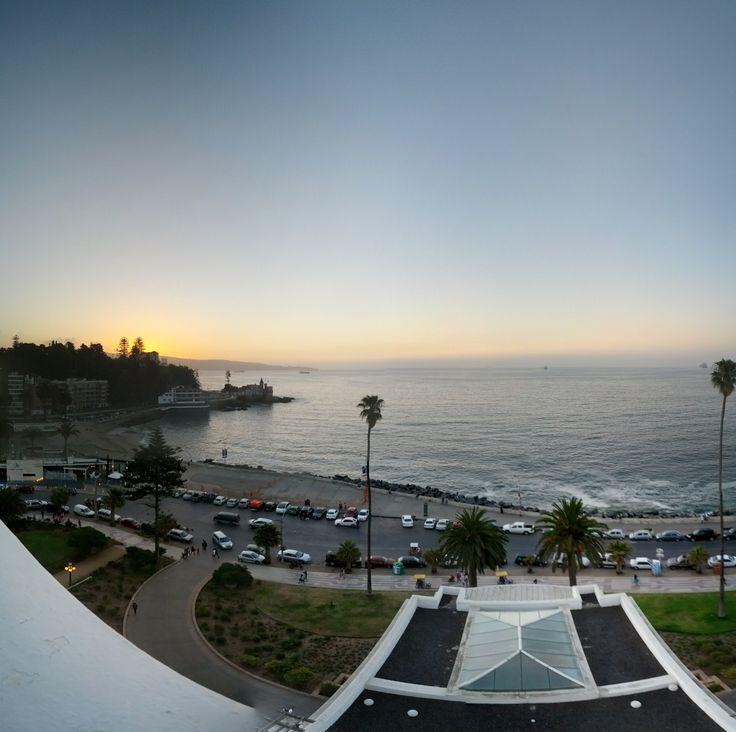 Así de bonito se ve el atardecer desde la terraza de Enjoy Viña del Mar. #sunset