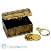 Schatkist piraat met munten en oorring -  Koppen.com