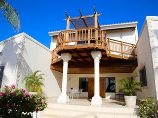 An Ocean Front Private Gorgeous Villa Catalina