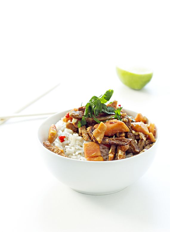 Vegan wok with tamarind and papaya.  http://vegoriket.se/?p=40#more-40