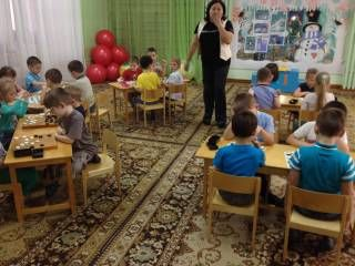 В Удмуртии установили максимальный размер платы, взимаемой с родителей, за присмотр и уход за детьми в дошкольных учреждениях.