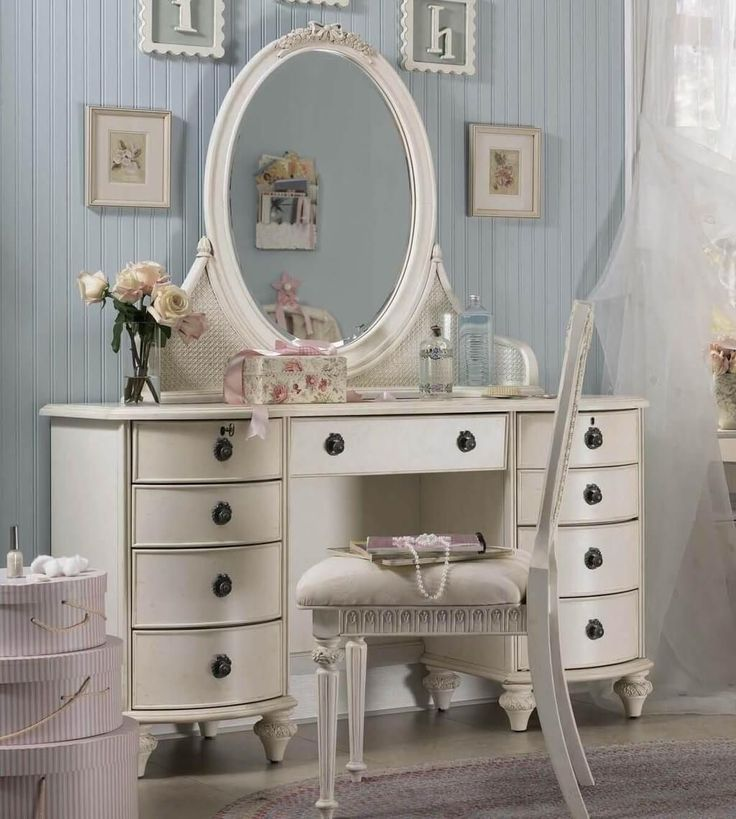 best 25 cheap vanity table ideas on pinterest cheap 17701 | baa7c84ae8784bd5ae70c4334bbc71ec shabby chic bedrooms vintage bedrooms