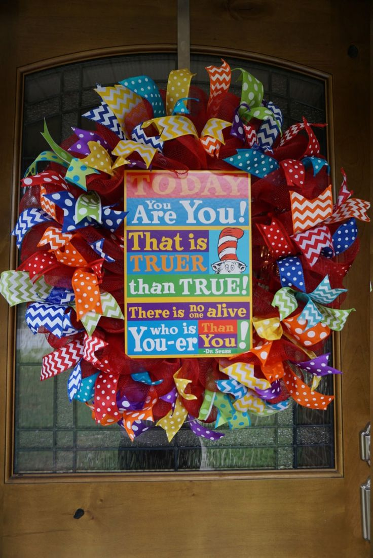 Dr. Seuss Wreath, Teacher Wreath, Classroom Wreath, Teacher Appreciation Wreath, Cat in The Hat Wreath, School Wreath, Classroom Door Hanger by Texascaseyscreations on Etsy