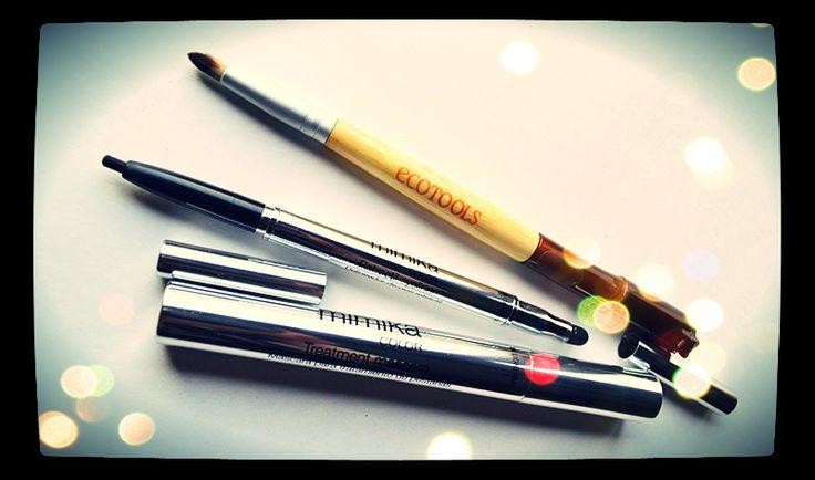 http://www.cosmetik-girl.com/2014/09/resena-delineador-mascara.html Mascara y delineador de Lidherma