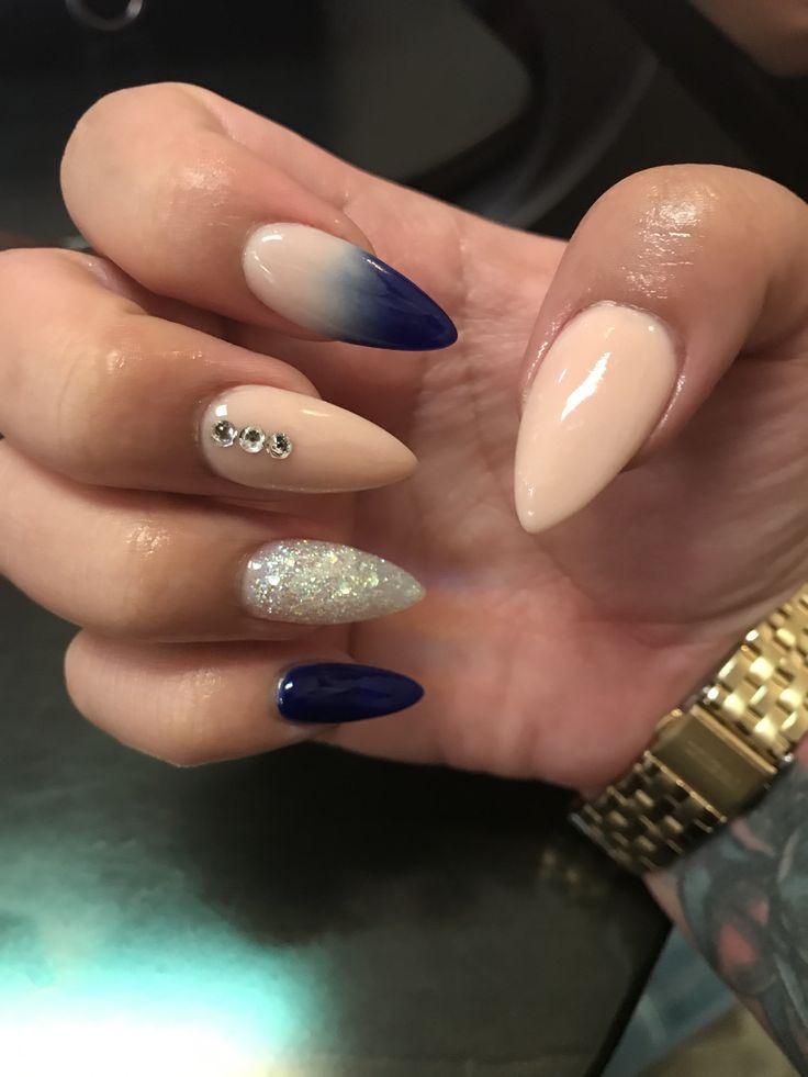 ᴍᴀᴀʏᴀɴ♡   Minimalist nails, Teal nails, Teal nail designs