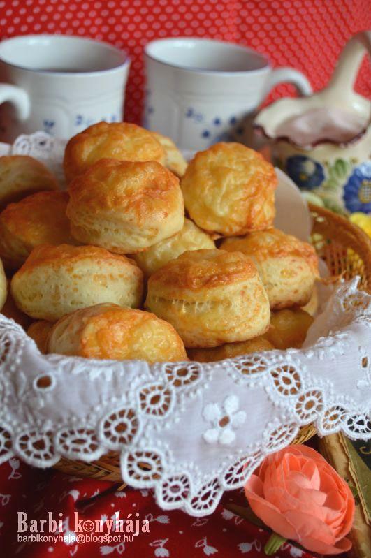 Barbi konyhája: Sajtos pogácsa élesztővel, kelesztés nélkül