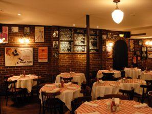 Joe Allan - your little bit of New York eating in Paris!