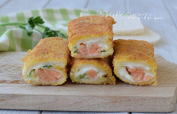ROTOLINI DI PANE con salmone zucchine e stracchino, ricetta antipasto, aperitivo o stuzzichino, facili, veloci e morbidissimi