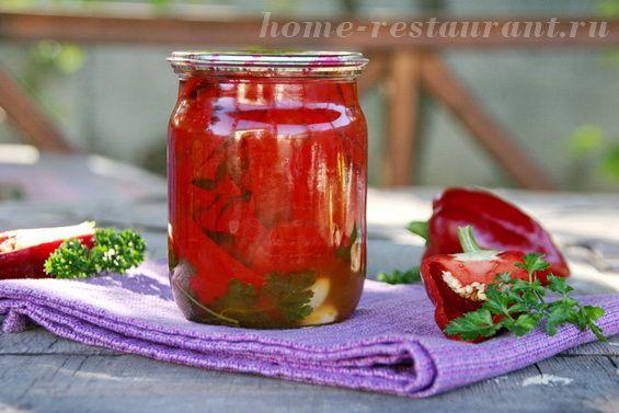 Консервируем перец в масле на зиму: проверенный рецепт с фото от Домашнего Ресторана. Перец в масле получается очень вкусным и ароматным, с тонким гармоничным вкусом.