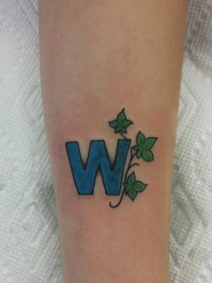 "Chicago Cubs ""W"" tattoo"