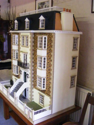 Unique-Len-Lewis-signed-Classic-Dolls-House-based-on-034-The-Warwick-034