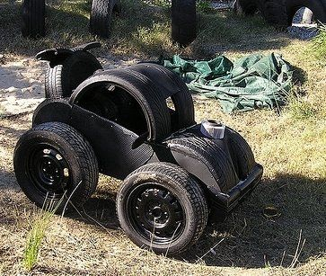 1000 images about re using old tires for playgrounds for Old tyre uses