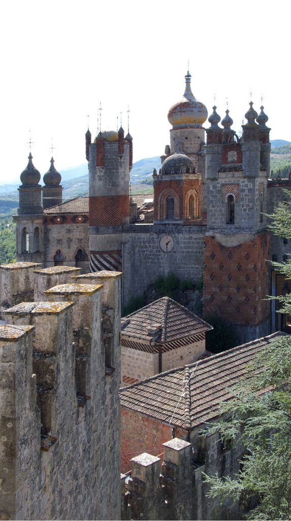 Sitting on an Italian hilltop is this surreal fortress built by the mad inventor of electrohomeopathy