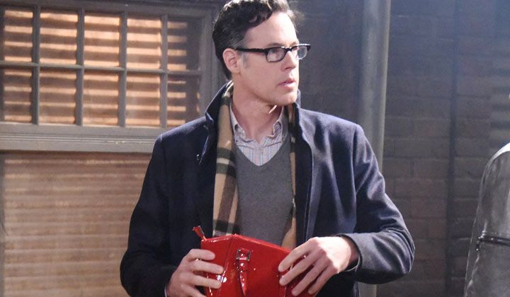 Days of our Lives has cast Modern Family alum Craig Welzbacher in the new role of Myron.
