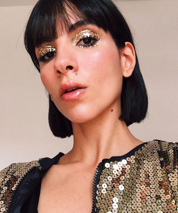 A maquiadora Nathalie Billio também ama glitter e apostou em brilhos maiores na pálpebra e embaixo do olho