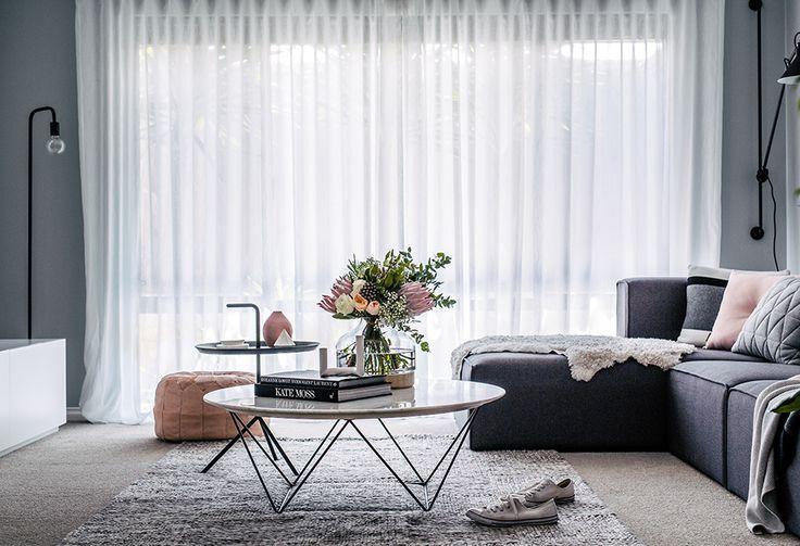Livingroom grey pink