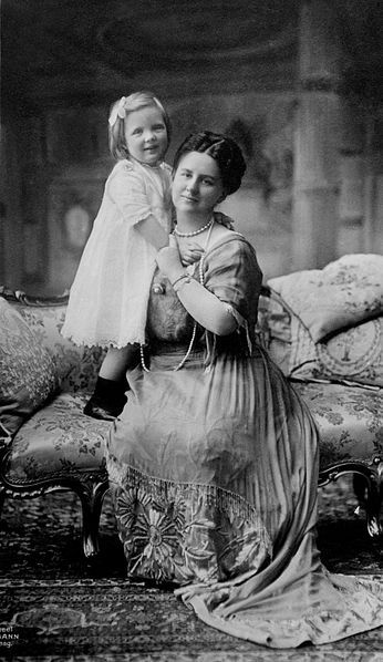 Queen Wilhelmina & Julian, 1910. This is a press photograph from the George Grantham Bain collection.